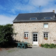 Beautiful Holiday in an old Farmhouse in Mayenne