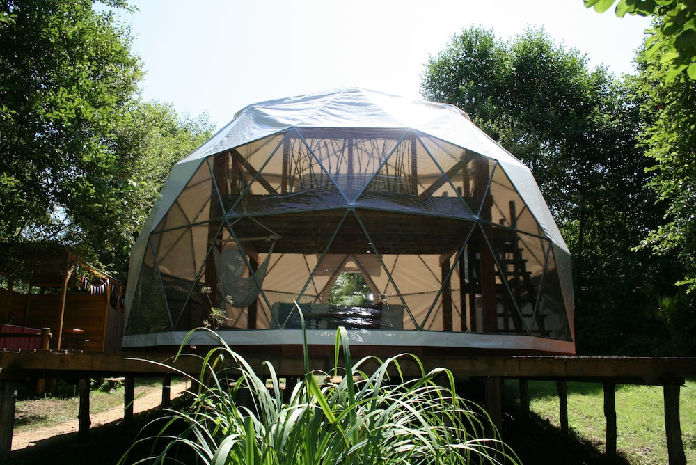 Featured Image & Geodesic Dome With Removeable Roof to Sleep Under the Stars: 2017 ... memphite.com