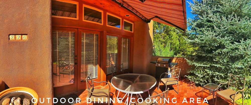 , Upscale Retreat Minutes From The Famous Santa Fe Plaza