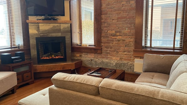 TV, fireplace, DVD player
