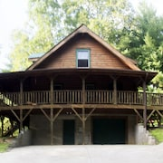 Visit a Great Family Hideaway In The Blue Ridge Mountains 20 Min. to Lake Lure