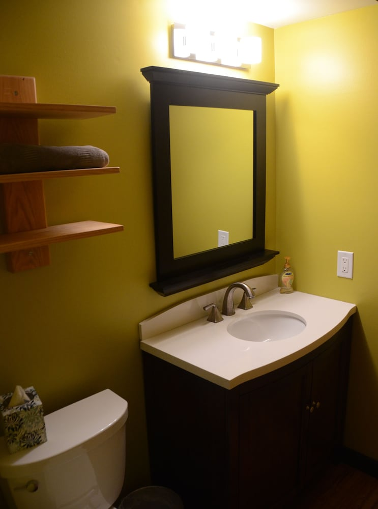 Bathroom, Very Comfortable Condo -ski & Play All Day Then Relax In This Welcoming Retreat