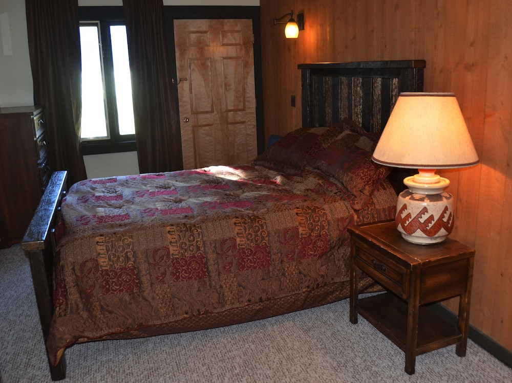 Room, Very Comfortable Condo -ski & Play All Day Then Relax In This Welcoming Retreat