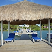 *stroll to the Ocean-pool, AC, Dock-caribbean Sunrise Villa