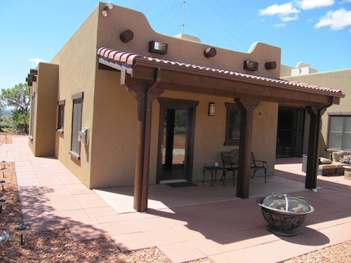 The Casita at Purradise Near Best Friends, Zion, Bryce, Lake Powell, Grand Canyo