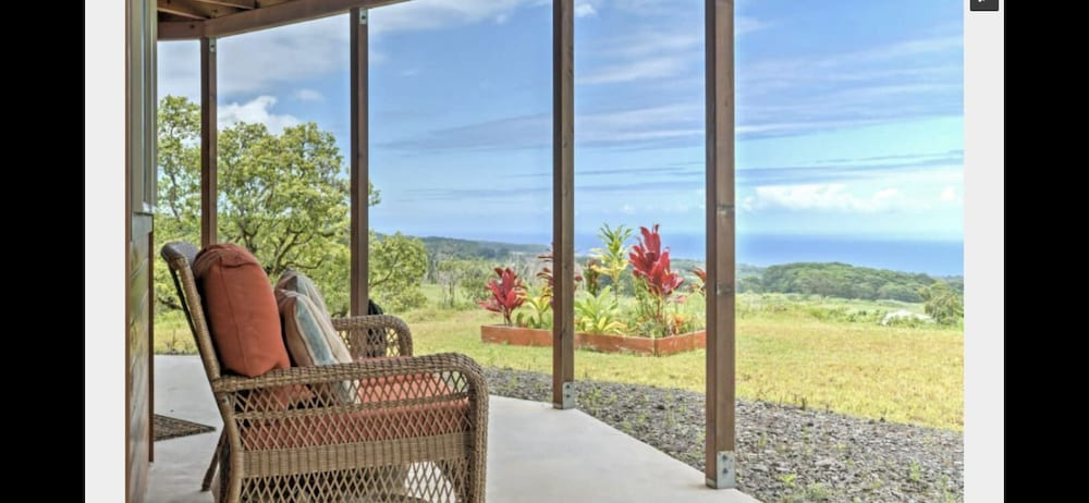 , Discounted! Family Getaway With Wide Ocean/mountain Views and Private Waterfall!