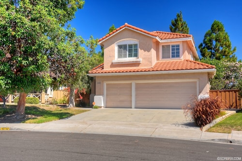 Beautiful Comfortable 4 Bedroom Home In San Diego, Central Location