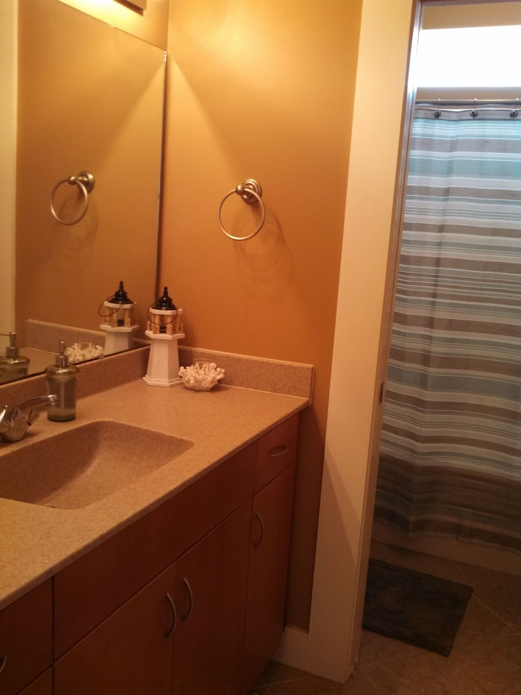 Bathroom, Oceanfront Carolina Beach North End - Private Beach Access- Family/Pet Friendly