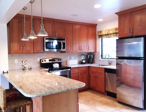 The Perfect Kauai Getaway ~ Newly Renovated Kitchen & Bathrooms ~ Ocean Bluff