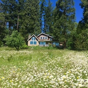 Meadow House Near Crater Lake South Entrance, Upper Rogue River, 100 Acre Trails
