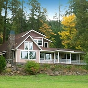 Meadow House Near Crater Lake South Entrance Upper Rogue River 100 Acre Trails