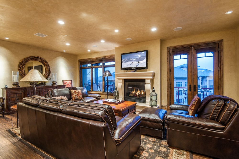 Slopeside 3 Bd Penthouse At Canyons Village By All Seasons Resort