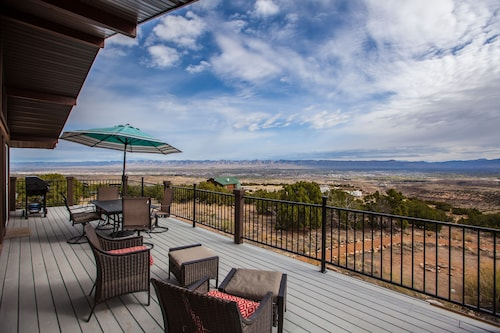 Privacy & Views, Overlook City Lights, yet Only 5 mi From Town