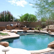 Executive Relaxed Living Home 5br/3b Pool & Spa in Estrella Mt Ranch
