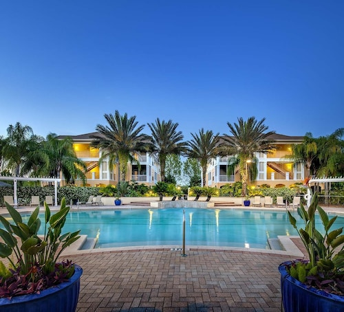Check Expedia for Availability of Poolside Vacation Condo