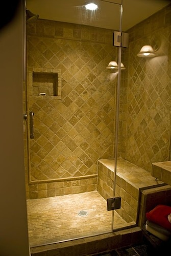 Artful, Rustic Studio w/ 5-star Shower---sustainable Ethic, 20 min ...