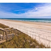 Boat Dock, Beach Access, Private Community Pool, new Rental Home