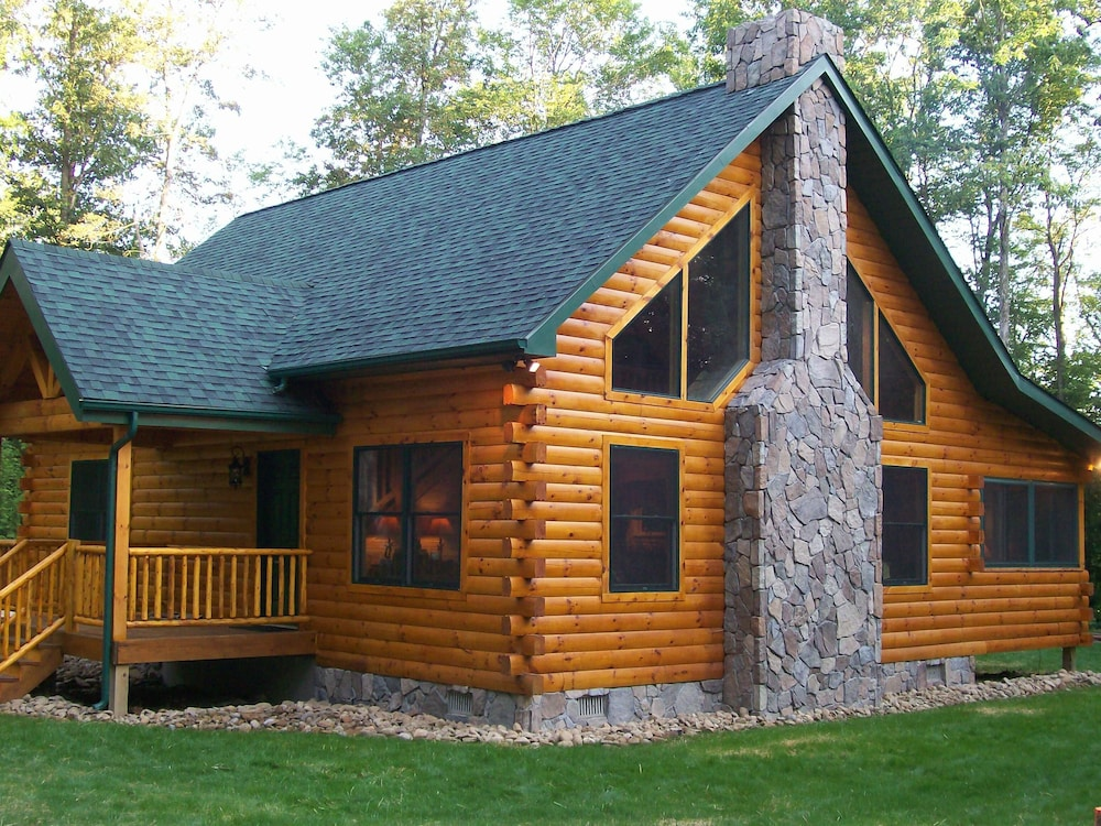 Awesome Beautiful Log Cabin On 17 Acres In Nw Pennsylvania W Hot Tub Home Interior And Landscaping Analalmasignezvosmurscom