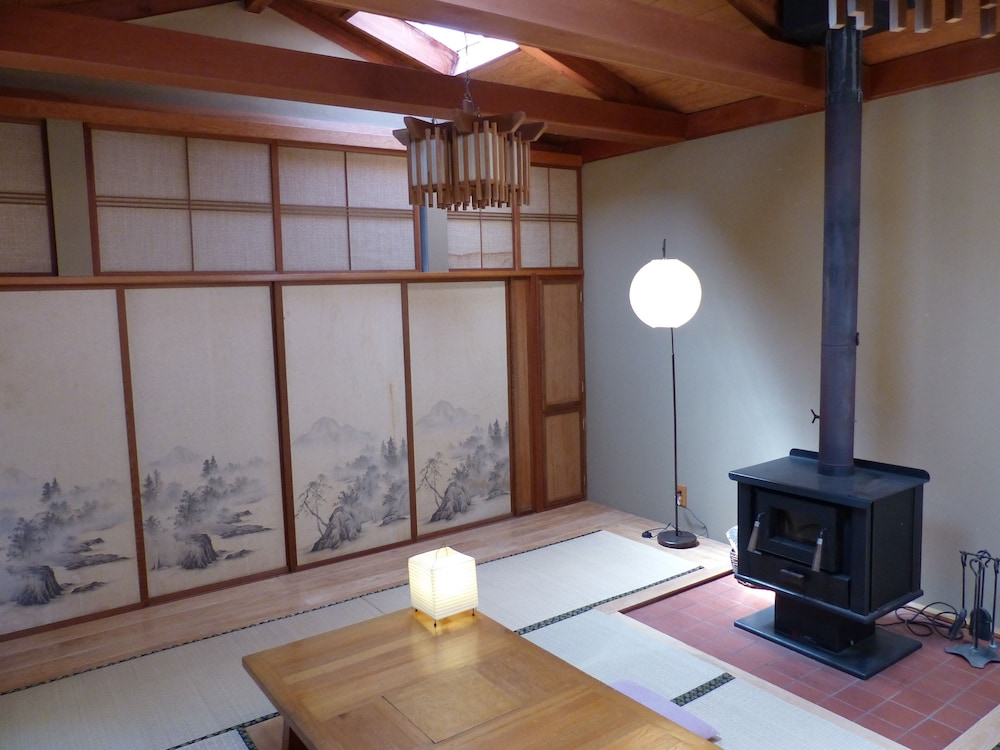 Traditional Japanese Tea House Garden Cottage In Oakland Hotel
