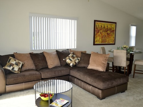 Great Place to stay Cozy 3/2 Apartment Minutes From Sawgrass Mills Outlet Mall near Plantation