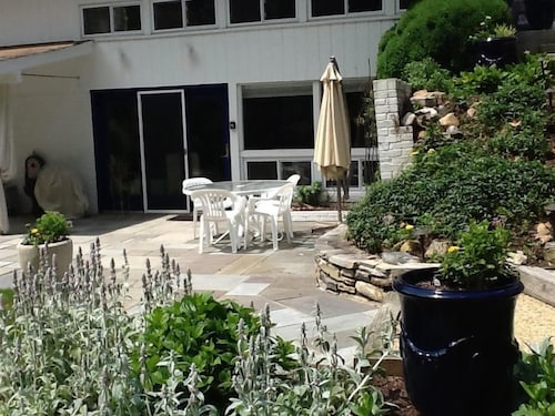 Exquisite 2BR Garden Apartment