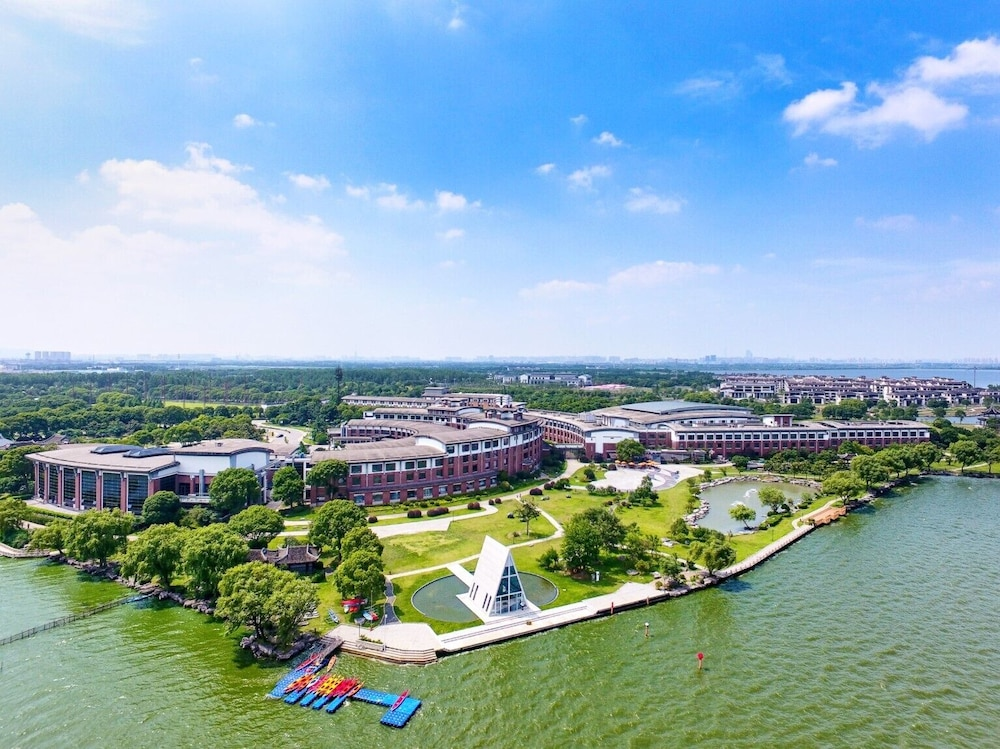 Featured Image, Tongli Lakeview Hotel