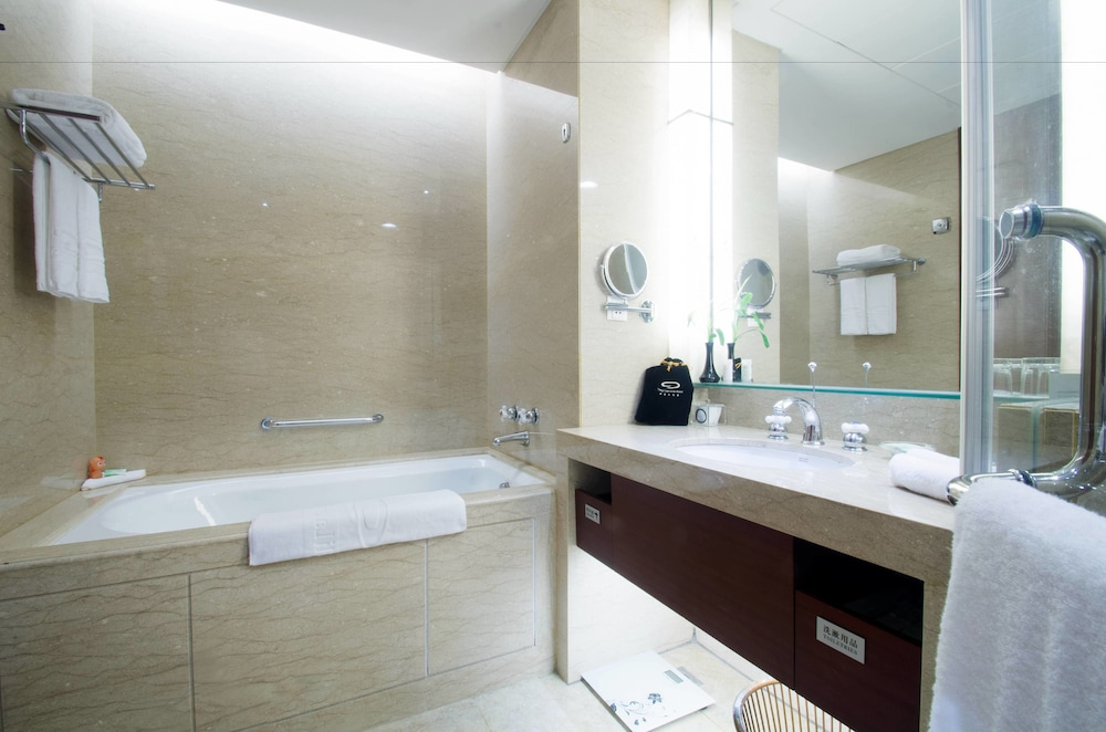 Bathroom, Tongli Lakeview Hotel