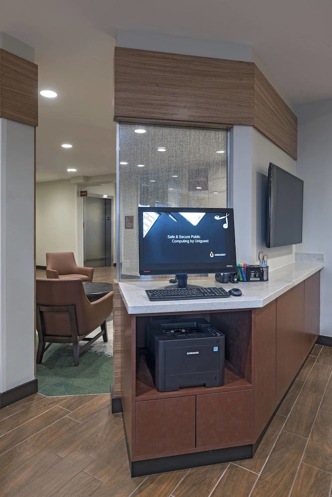 Business Center, TownePlace Suites by Marriott Tacoma Lakewood