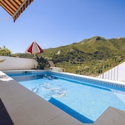 Monteverde Holiday Accommodation Loft With Private Pool for Families and Stop
