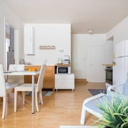 Glyfada Studio for 2 to 4 Guests Ideally Located Walking Distance to Everywhere