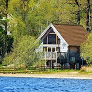 Luxury Lochside Lodge With Hot Tub on the Shore of Loch Awe