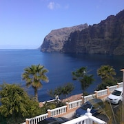 Beautiful Apartment in Los Gigantes Area, With Pool and Views