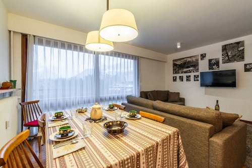 Spacious Apartment up to 7 People Facing the Mont Blanc Massif