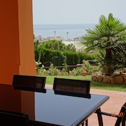 Ground Floor Apartment With Seaviews, Beach and Golf