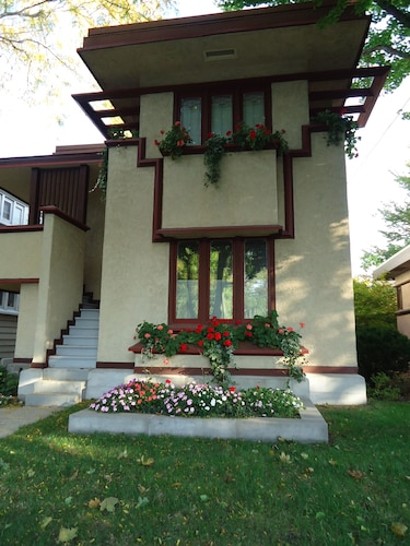 Historic House, Frank Lloyd Wright-designed House In Milwaukee, WI