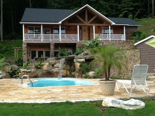 Luxury Lakefront Home Swimming Pool, Boathouse With Pontoon Boat Rrental