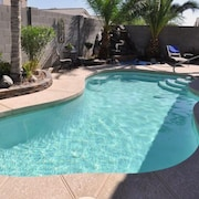 Centrally Located for Sports and Entertainment Fans. Heated Pool