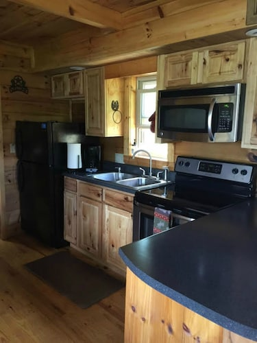 Private Kitchen, 'it's Time To Unwine' HOT Tub, Waterfront and Viewing the Blueridge Parkway