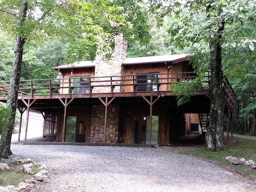5 Acres of Serenity Just Off The Blue Ridge Parkway