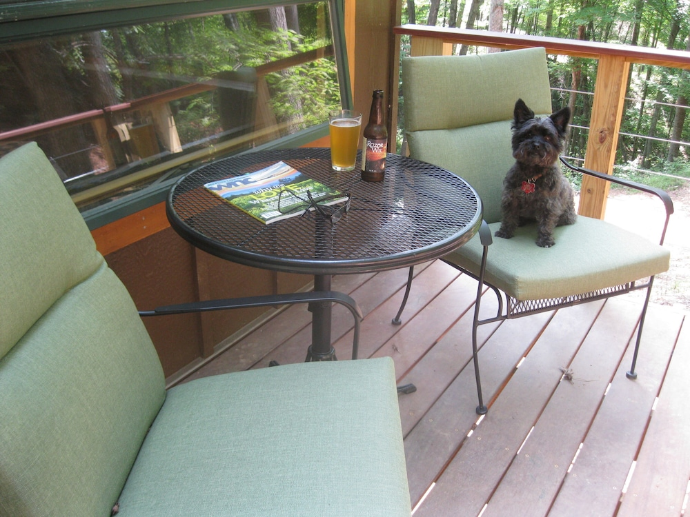 Balcony, Private Getaway-17 Miles to Asheville, Hot Tub & Fireplace, Pet Friendly