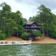 5 BR, 4 BA, Great Views, Quiet Cove, Sleeps 10