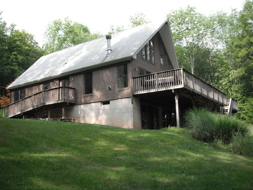Lake Jeff Tree House Abundance Of Windows And Outdoor Living Area In The Trees