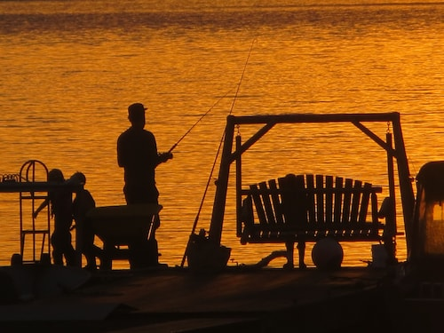 Angler's Dream. Fishing Boat. Dock. Beach. Hot Tub. Captain Your Fishing Trip!