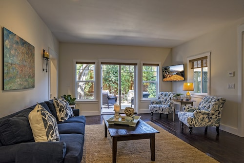 2 Br/2 Ba - Olive Cottage - Downtown Los Olivos
