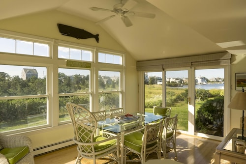 Charming Bright Beach House At Craigville Book Now For Summer 2019