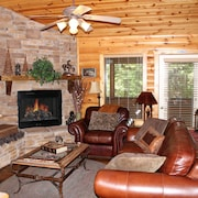 Rustic & Cozy, Luxury Log Cabin Pools Cable Jacuzzi Porch Wifi Fireplace Resort