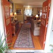 Lavender Hill Cottage Provence in Sonoma With Views!!!