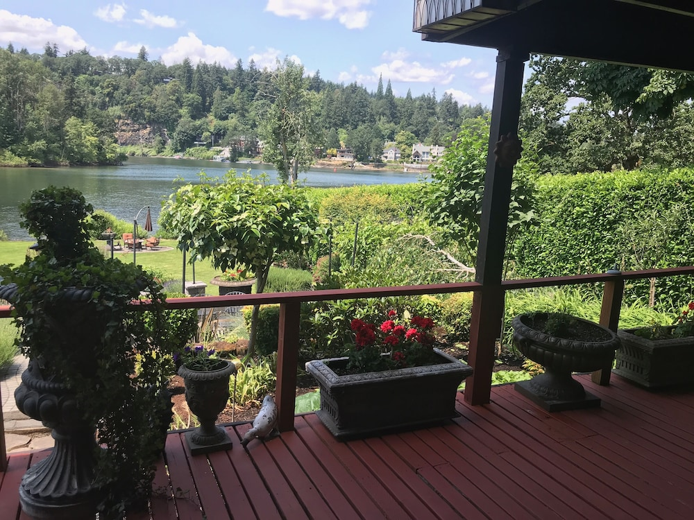 Terrace/Patio, Live the Dream on the Lovely Willamette River