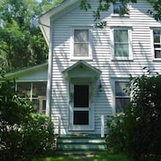 Whaler's Dream House 1880s Victorian in Excellent Condition With Water Access
