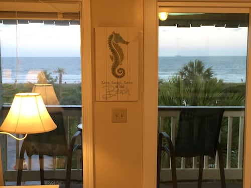 Isle of Palms - 3rd Floor Ocean Front With Private Balcony, Pool, and Pier